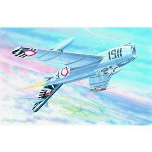 Směr plastikový model letadla ke slepení Mig 17 F slepovací stavebnice letadlo 1:48